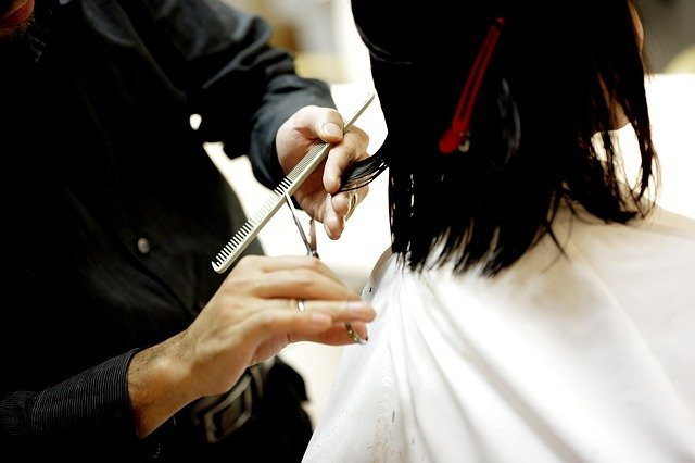 Nestrihajte zničené vlasy