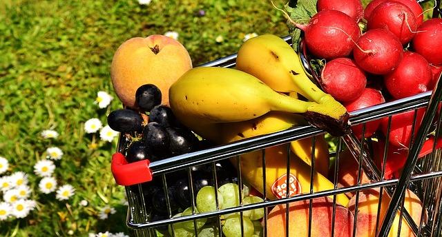 košík plný ovocia.jpg