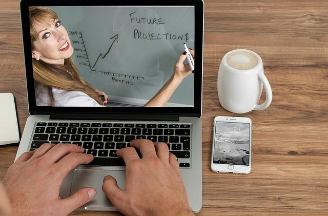 Vzdelávanie prostredníctvom online kurzov